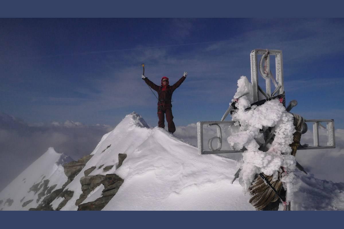 Oppe: Tormod Granheim topper ut på Dent Blanche (4357 moh). Foto: Signar Nilsen