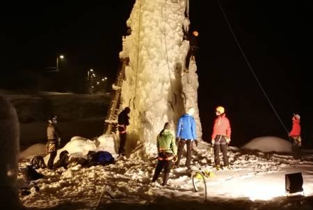 Kunstig is i Setesdal, nærmere bestemt på Helle camping.