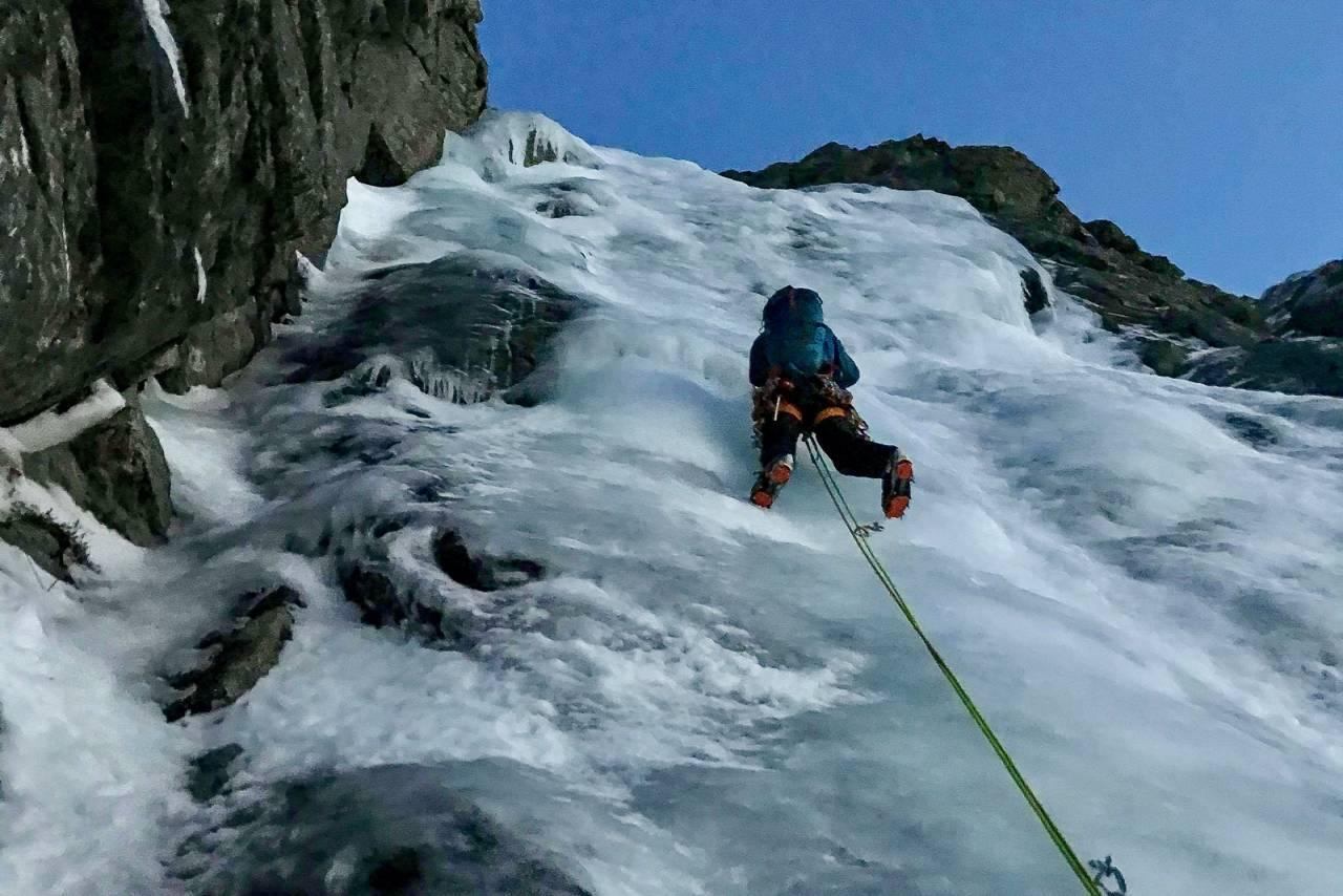 NYE ALPINE LINJER:  Fantastisk fin is på Skopphornet på Sunnmøre. Foto: Sindre Selvig.