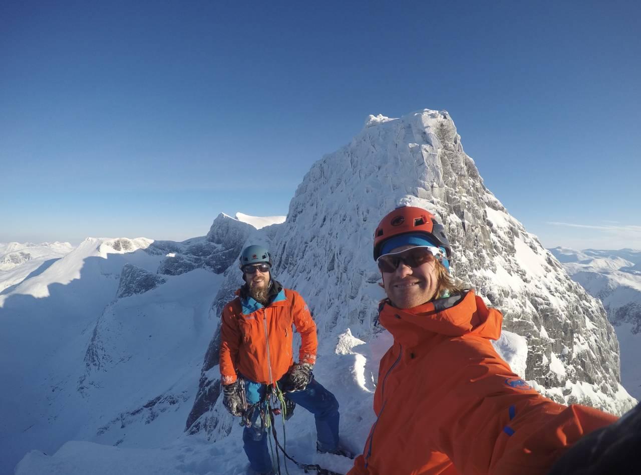 To glade vinterklatrere; Kristian Vindvik og Signar Nilsen. Foto: Signar Nilsen