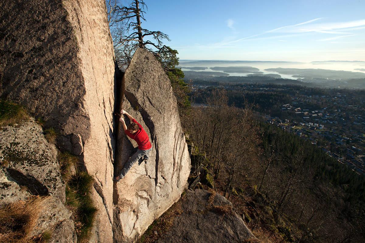 LOHENGRIN: Er det en bulder du bør gå når solen skinner og fjellet fremdeles er kjølig, så er det Norges første buldreklassiker.
