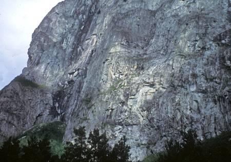 Sydpillaren på Mongejura i Romsdal.