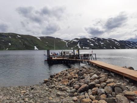 Brygga på Torfinnsbu. Foto: Lisa Kvålshaugen Bjærum