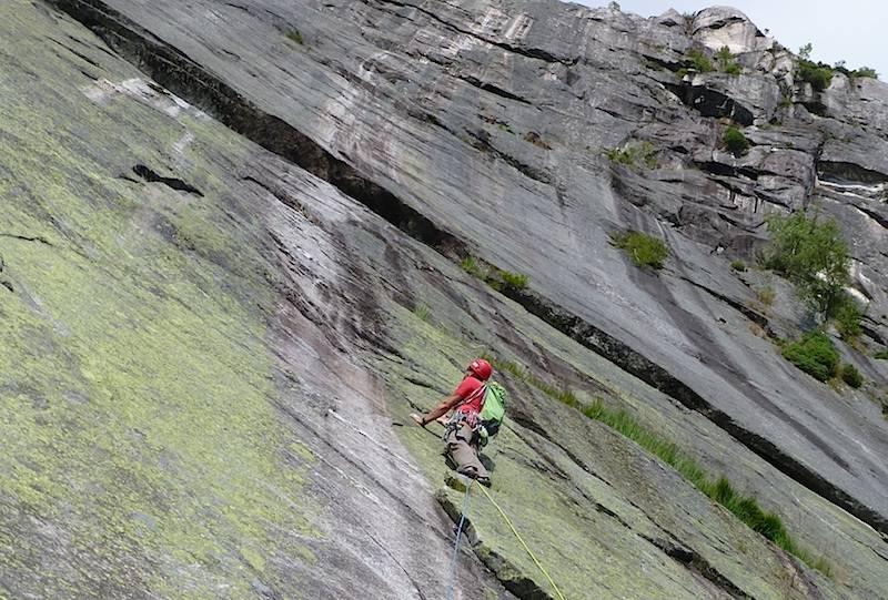 Erik Neergård ser med skrekk opp på Den hvite stripa (6+). Foto: Dag Hagen