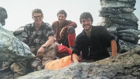 Det engelske laget: Bill Tweedale, John Amatt og Tony Howard på toppen av Rimmonruta. Foto: Ammatt/Howard.