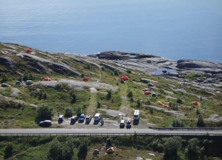 Hvilke klimahensyn tar vi klatrere? Kjenner du noen som vurderer klatreturen opp mot bilens CO2-utslipp? Her foto fra Gandalfveggen i Lofoten. Foto: Dag Hagen