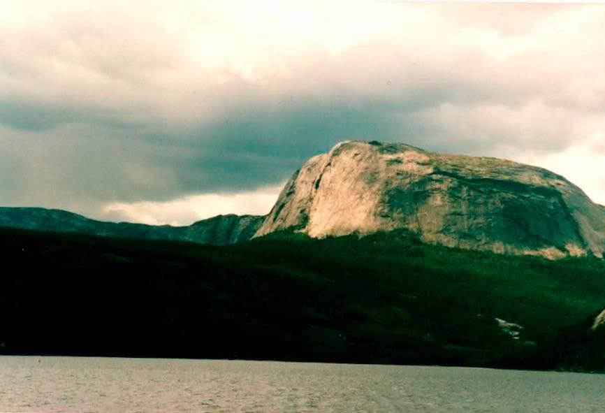 Vakre Hægefjell. Foto: Arne Larsen
