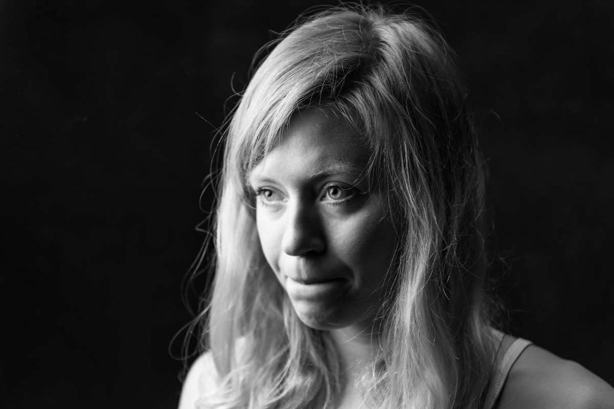 ÅPENHJERTIG: Mina Leslie-Wujastyk forteller om hvordan diagnosen RED-S syndrome har påvirket livet hennes. Foto: Marc Langley
