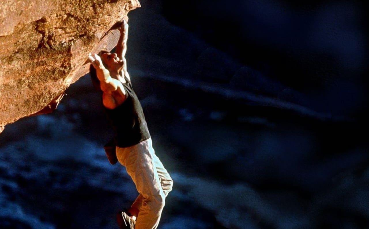 Tom Cruise skal klatre på Preikestolen, til sin nye film Mission Impossible 6. Skjermdump fra filmen.