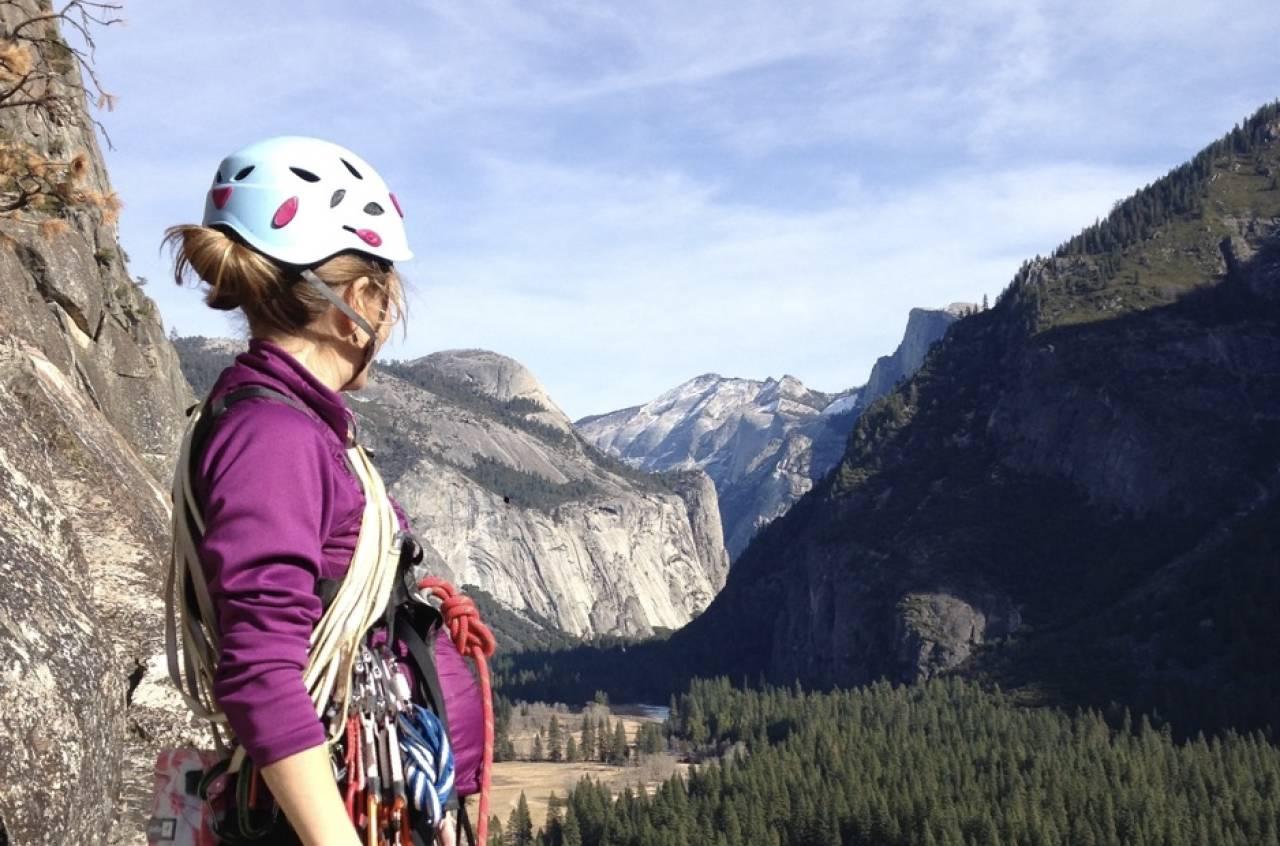 I veggen: Amerikanske Beth Rodden er en av verdens beste klatrere og fortsatte å klatre etter at hun ble gravid. Foto: Beth Rodden Collection