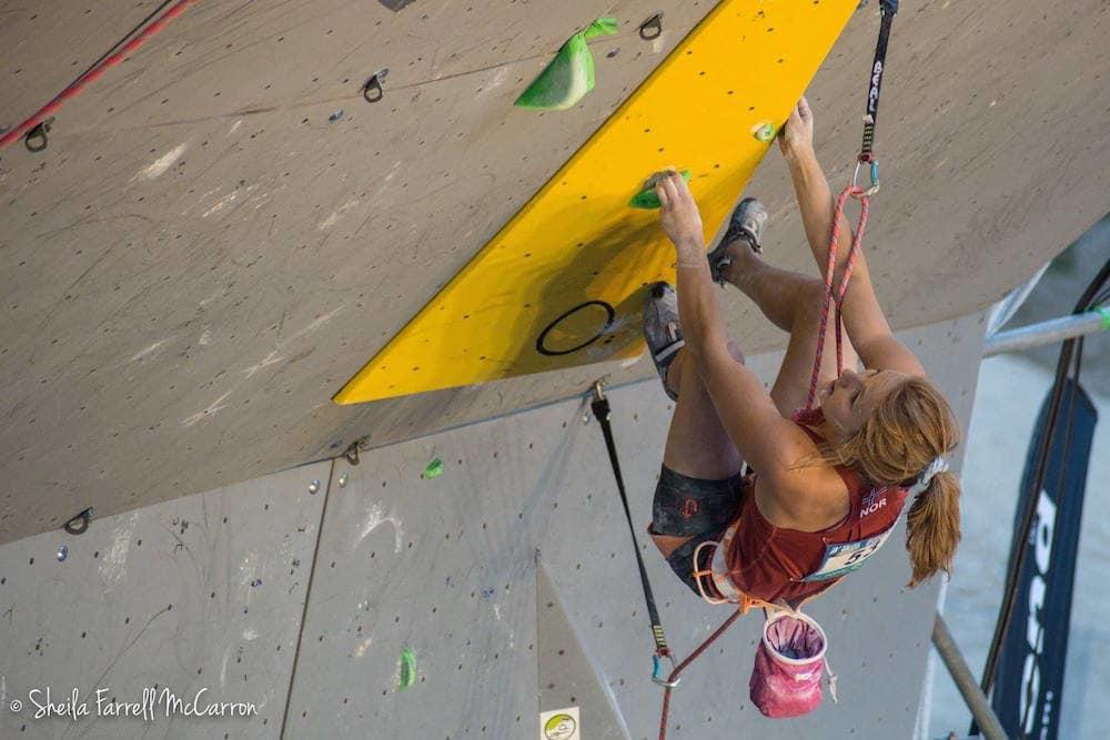 Tina Hafsaas sekunder før hun faller i semifinalen. Foto: Sheila Farrell McCarron