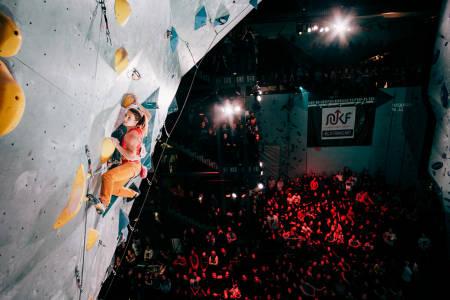 SHOW: Tina Hafsaas vinner foran en fullsatt arena med publikum i alle plan. Foto: Bjørnar Smestad