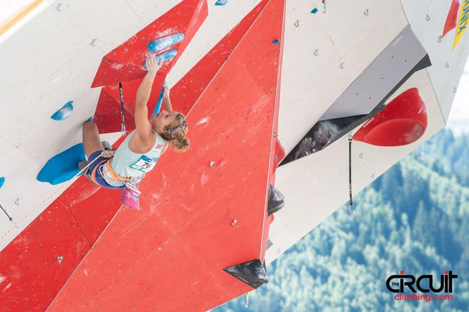 Tina Hafsaas i semifinale. Foto: Eddie Fowke / The Circuit Climbing