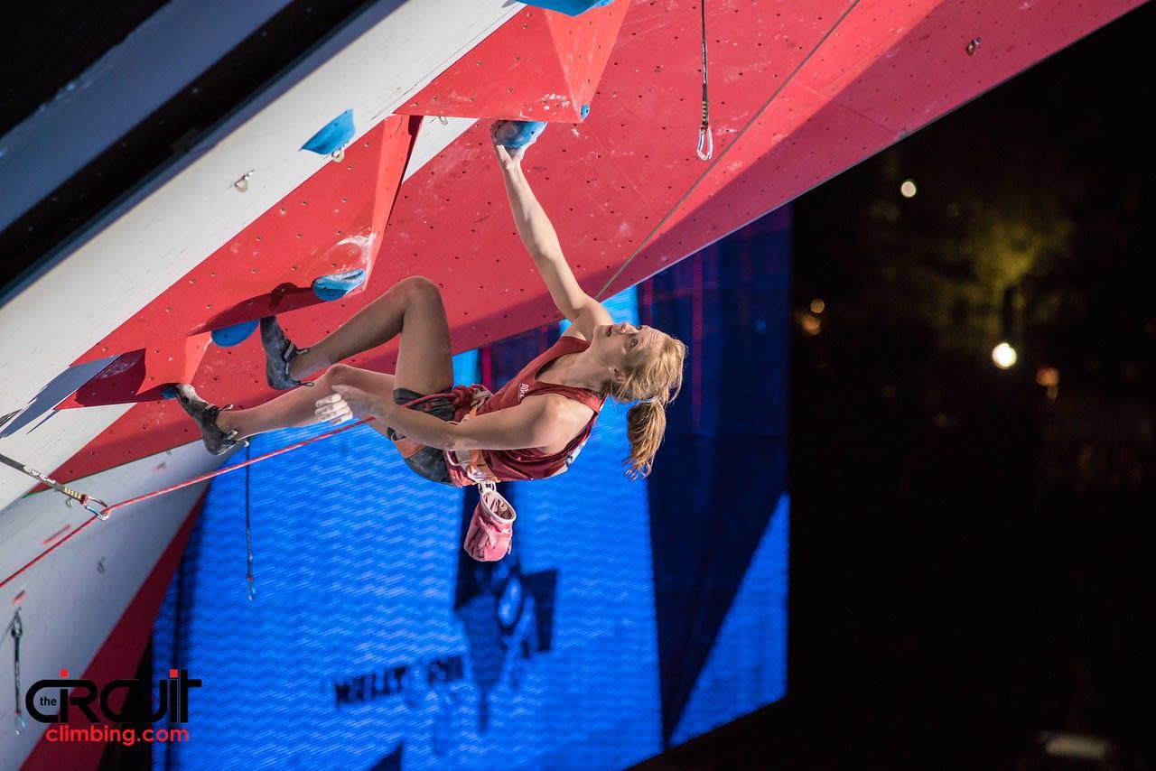 Tina Hafsaas på finaleruten. Foto: Eddie Fowke ved The Circuit Climbing and Performance