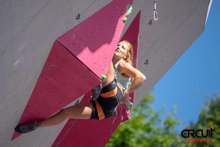Tina J. Hafsaas klatrer semifinale i verdenscupen. Foto: Eddie Fowke / The Circuit Climbing