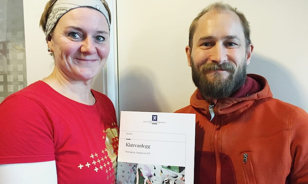 Kari Vanebo og Nikolai Kolstad hos Klatreforbundet.