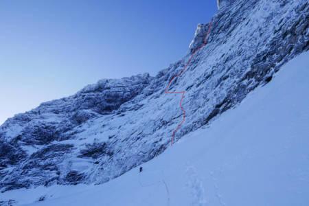 NY RUTE: På toppen av breen - med linja tegnet inn. Foto: Kjetil Grimsæth