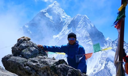 Teodor Glomnes Johansen er i Everest base camp.