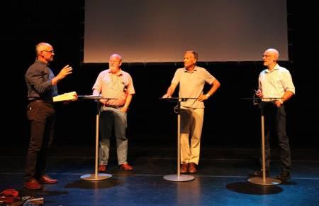 Først ut: Stein P. Aasheim i samtale med Ole Daniel Enersen, Odd Eliassen og Jon Teigland. Foto: Dag Hagen