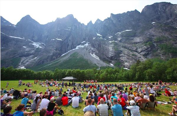 Fra åpningen under fjorårets festival. Foto: Dag Hagen