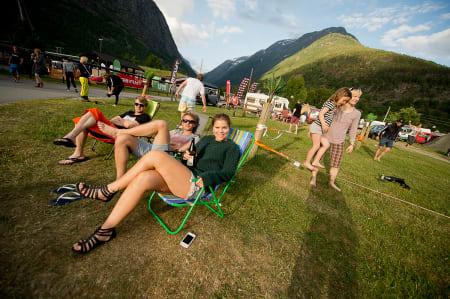 Kos på festival. Foto: Vegard Breie