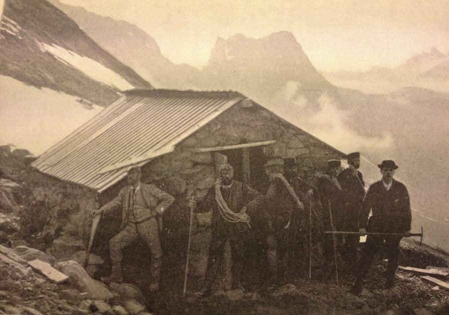 Hytta på Bandet sommeren 1894. Foto: C. Lange.