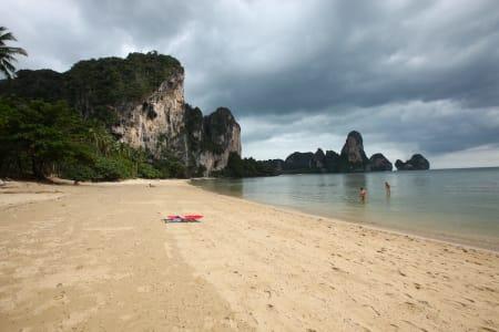 Paradis: På stranda ser det prikk likt ut som i 1996. Dette bildet er tatt nå i julen. Foto: Dag Hagen