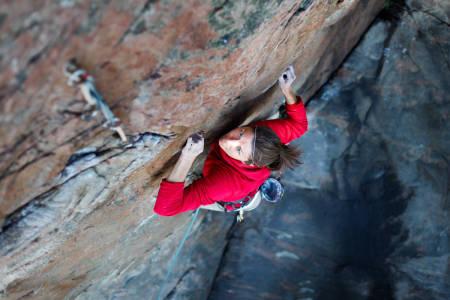 FOKUSERT: Anna Borestam på Munin, 7+. Hun risikerer nå å miste tilgangen til klatrefeltet sitt.