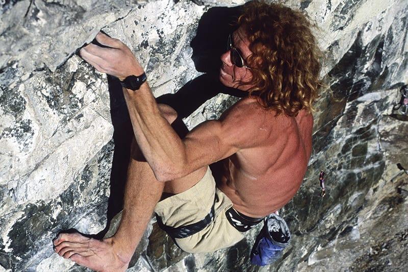 BARBEINTt: Robert Caspersen på et av veldig mange laps på Slakteren fra Bagdad (9-) på 90-tallet. Denne gangen uten sko. Foto: Einar Broch Johnsen