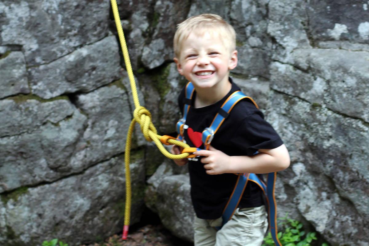 KIDSA BLIR PRIORITERT: Vi regner med at kidsa blir glade når de kan klatre innendørs igjen på barne- og ungdomsgrupper i Oslo. Foto: Tore Meirik
