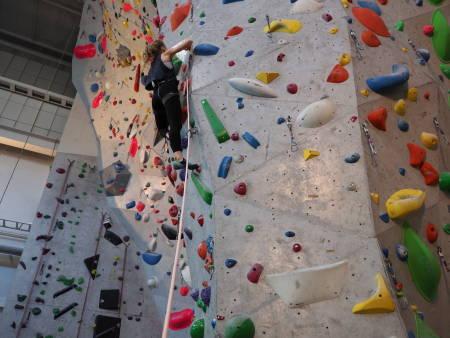 NOEN FÅ LETTELSER I OSLO:  Nå kan barn og ungdom fram til 19 år klatre organisert innendørs.
