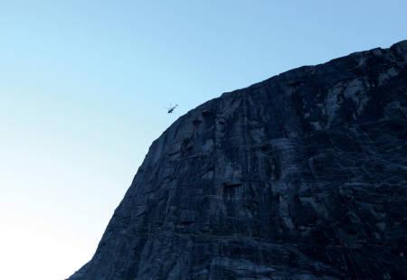 ULYKKE: Det måtte en redningsaksjon til for at Hornaksla skulle få sin rappellrute fra 1. rampen og ned. Foto: Dag Hagen