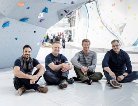 Internasjonalt: Moments Climbing satser foreløpig i tre land. Fra venstre Dean Privett (USA), Arne Litlere (Norge), Eivind Nordeide (Norge) og Henrik Suihkonen (Finland). FOTO: NICO BÄCKSTRÖM
