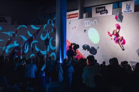 I spotlighten: Sunniva Haave i Finalen på senteret Boulderkeskus Espoo i Finland. Foto: Rami Valonen