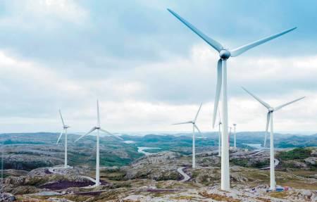 INNGREP: Vindkraftutbygging gjør et enormt inngrep i naturen, her på Fosen. Foto: NTE Holding/Tu.no
