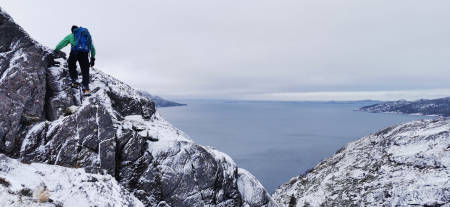 Komplisert anmarsj og retur i Skjørafjorden.