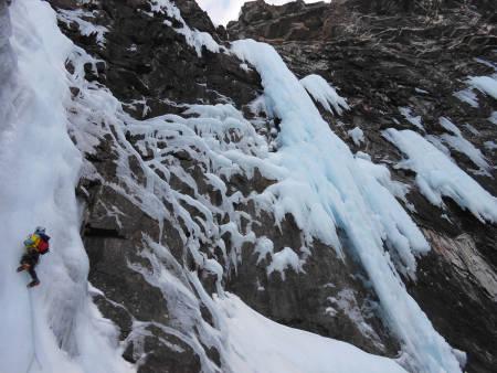 Toralf Furset på førstebestigningen av Gjølapillaren. Arkivfoto: Emil Bråten