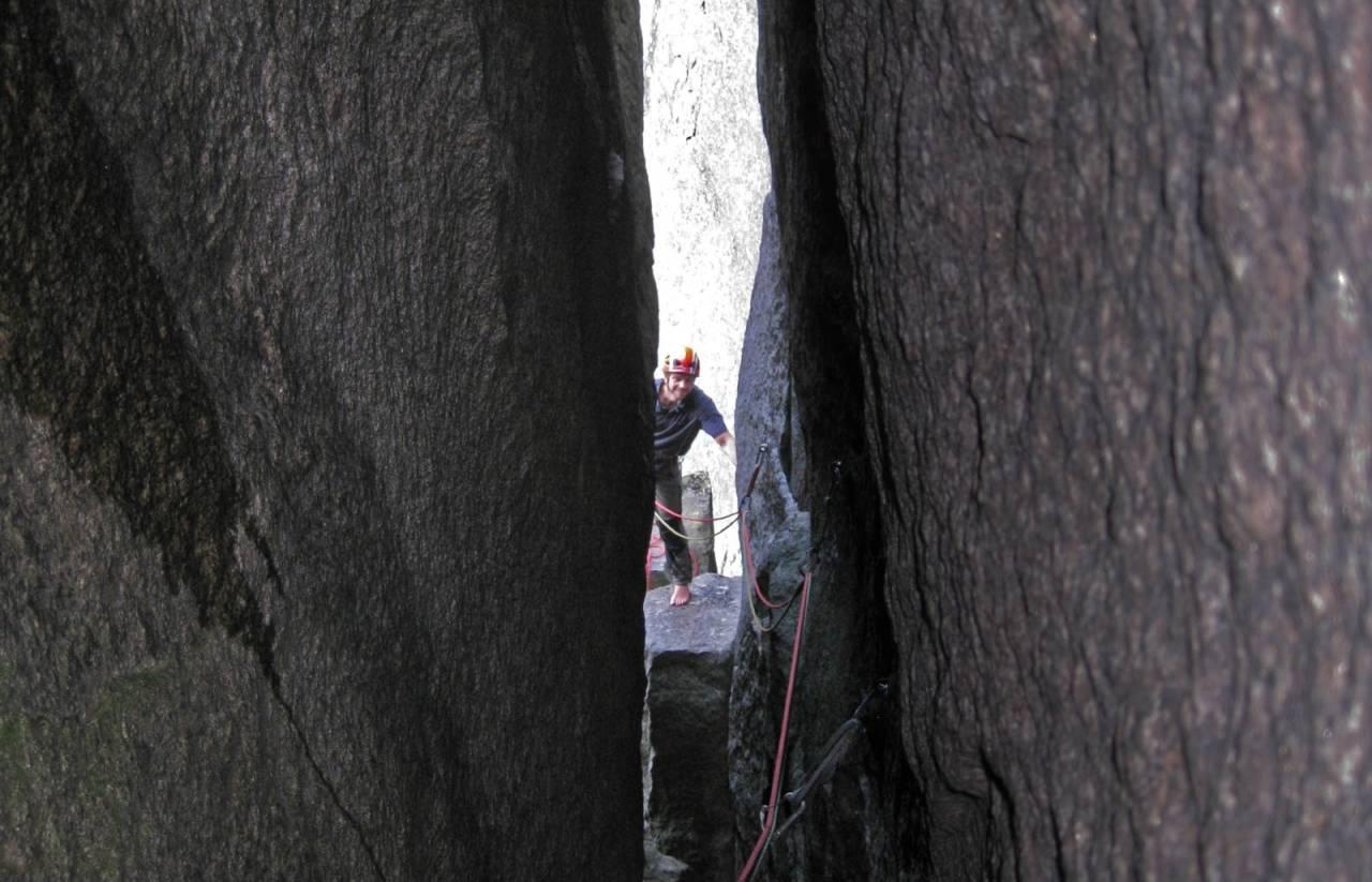 Trangt: Noe klaustrofobisk å se seg tilbake mot sikreren. Foto: Geir Evensen