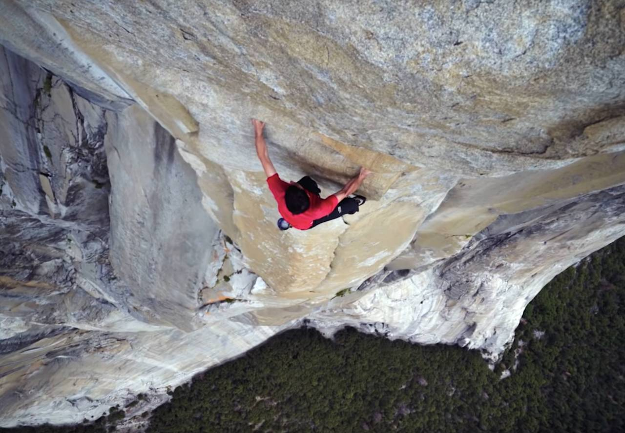 Alex Honnold i toppen av ruta Freerider (8/8+) på El Capitan.