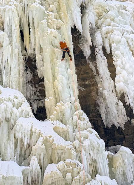 Philippe Batoux klatrer Flågbekken. Foto: Minna Riihimaki