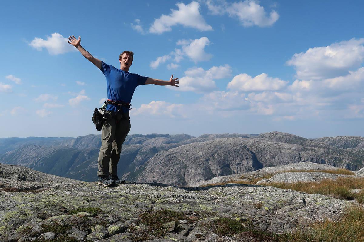 POPULÆR: Artikkelen om Pete Whittakers frisolotur opp Kjerag slo an blant Norsk-klatring-nos lesere. Artikkelen ble mest lest i august. Foto: Privat