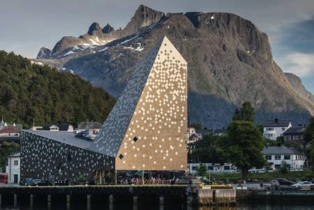 Tindesenteret på Åndalsnes. Foto: Matti Bernitz Pedersen