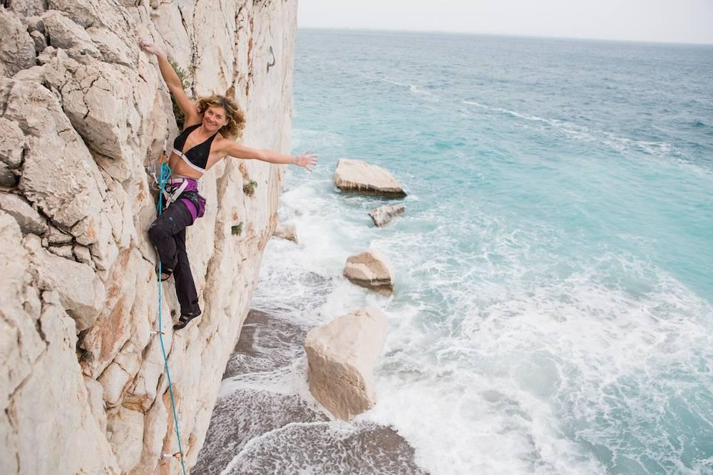 Cecilie Skog klatrer i Tyrkia. Foto: Benjamin Hjort