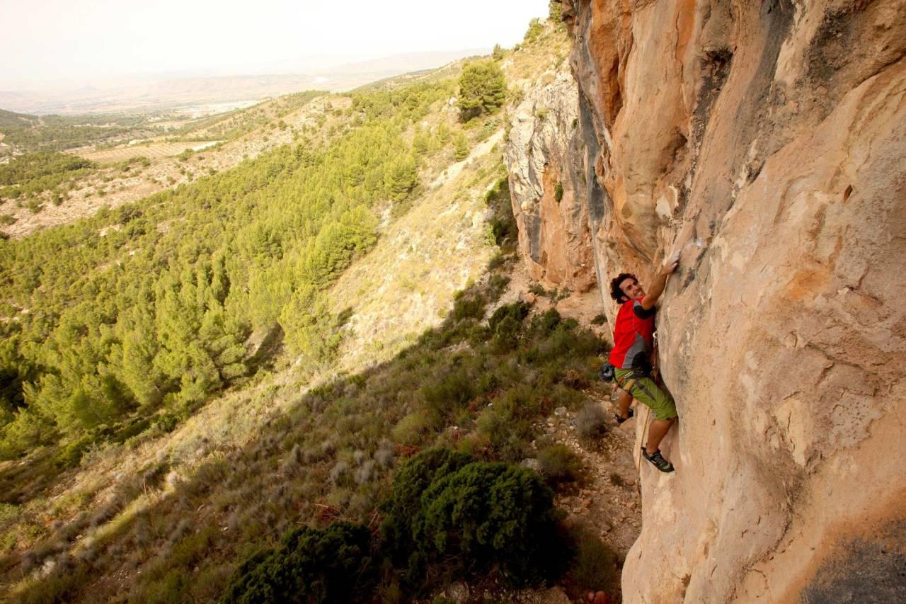 STREKK: Eduardo Valdes Colomina klatrer Casablanca (7a+), sektor Chao chao i Spania. Foto: Dag Hagen