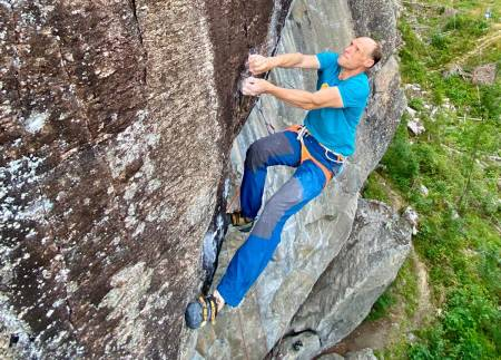 Runar Carlsen og Climb Norway AS har fått 16 millioner fra staten for å utvikle nye systemer for via ferrata. Foto: Privat