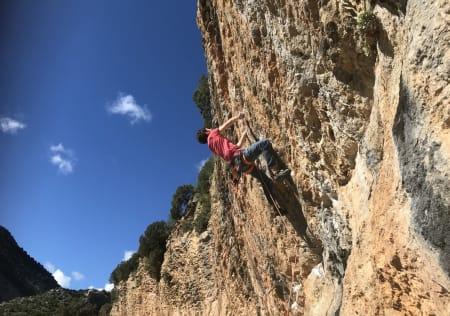 Det er viktig for komforten å velge riktig klatresele. Det kan absolutt påvirke din prestasjon i veggen. Her fra Rodellar i Spania. Foto: Geir Evensen
