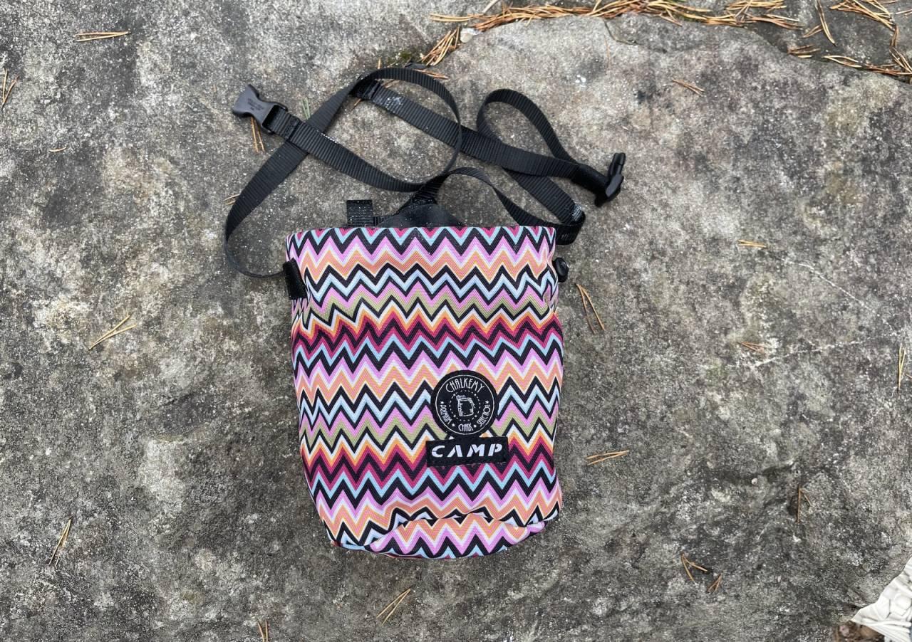 Flott: Camp Polimagò er en meget tiltalende kalkpose som vekker positive følelser. Det meste fungerer bra, men lukkingen lekker litt kalk gjennom stoffet.