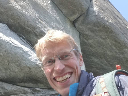 FØRSTEBESTIGNING: Sigbjørn Veslegard har førstebesteget den hardeste kileruta på Kvam, og satte den i grad 9. Foto: Privat
