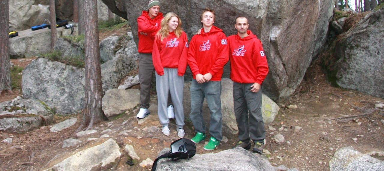 Elevene ved klatrelinja. Initiativtager Rune Osvold til høyre.