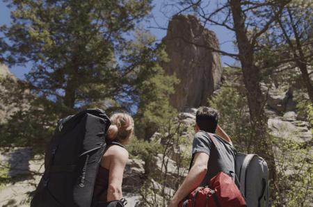 Rannveig Aamodt og Paul Robinson lever i og av klatring i Colorado. Foto: prAna